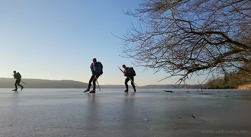 Ice skating on Lake Mälaren, March 2016.